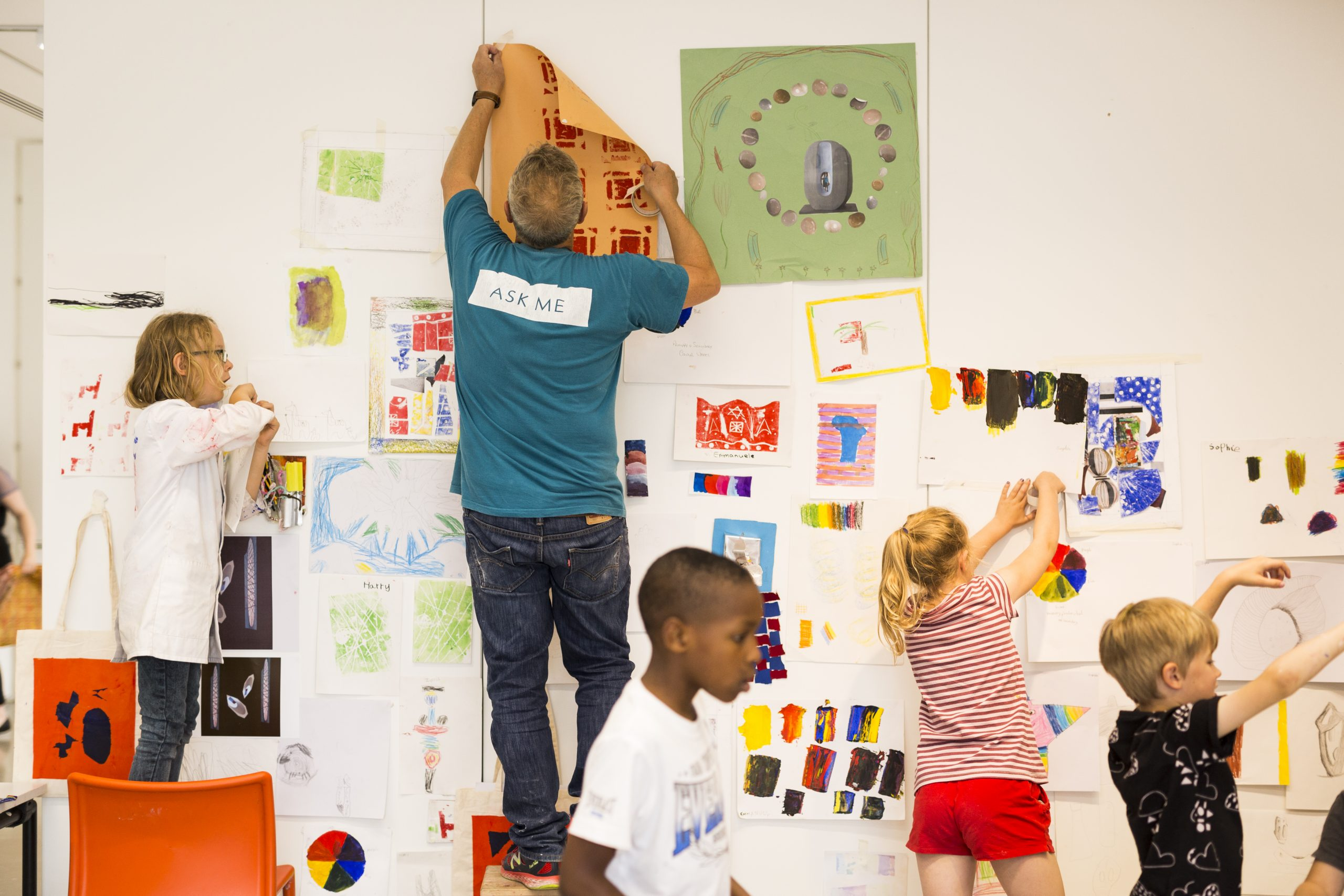 Art Club in the Clore Learning Studios at The Hepworth Wakefield. Photo Nick Singleton