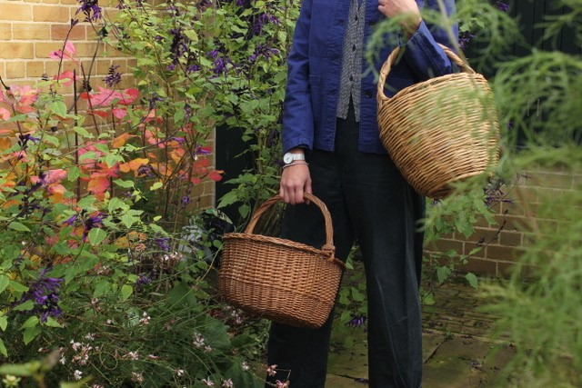 The Van Gogh House online shops includes vintage straw baskets