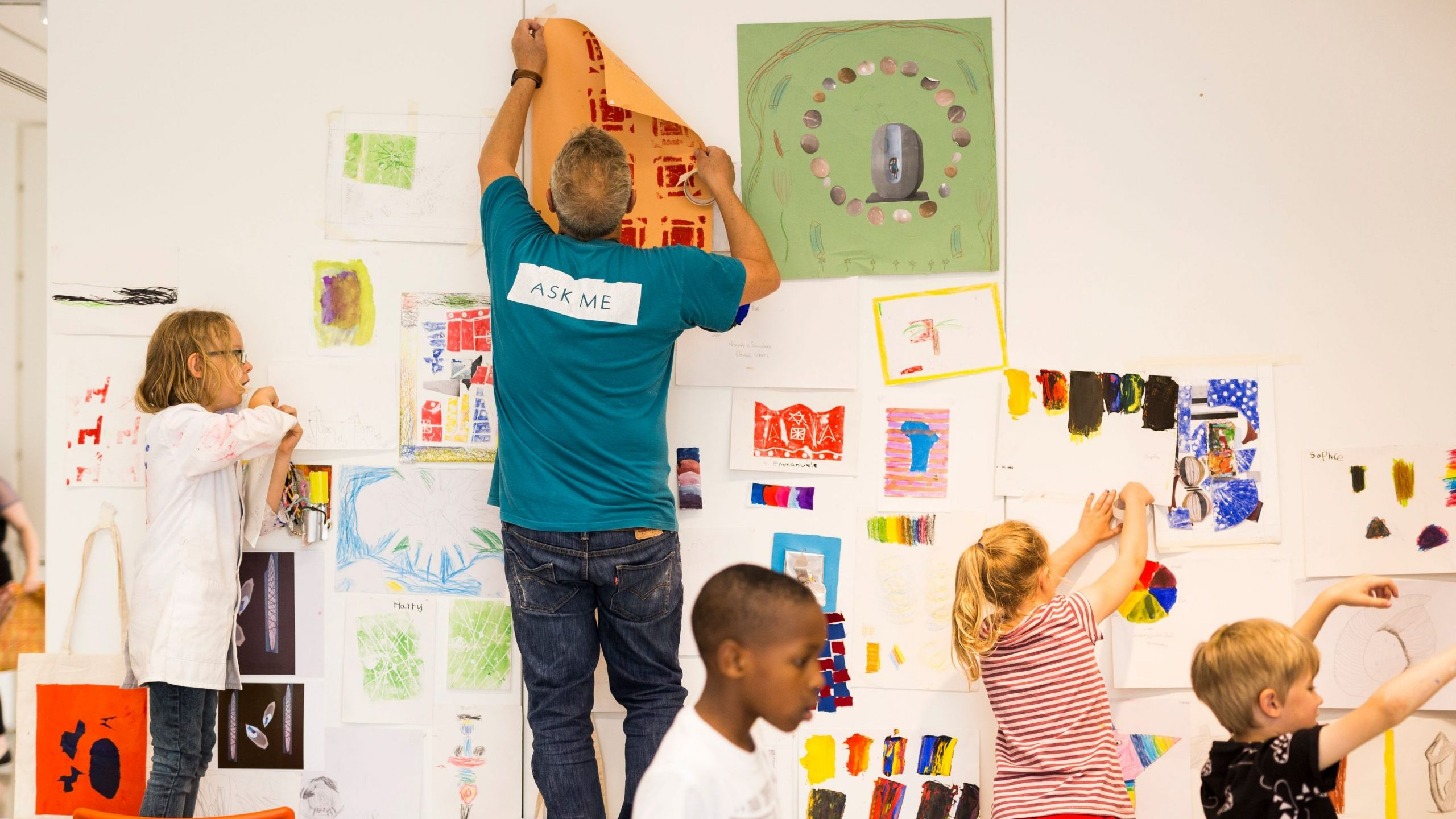 The Hepworth Wakefield is participating in the summer schools programme this year