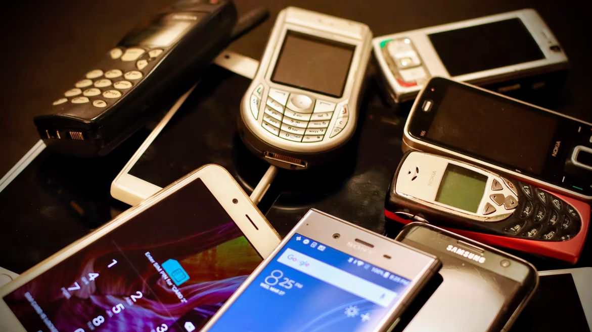 The collection includes more than 2,000 handsets
